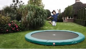 welches trampolin f r kinder kaufen trampolin blog. Black Bedroom Furniture Sets. Home Design Ideas