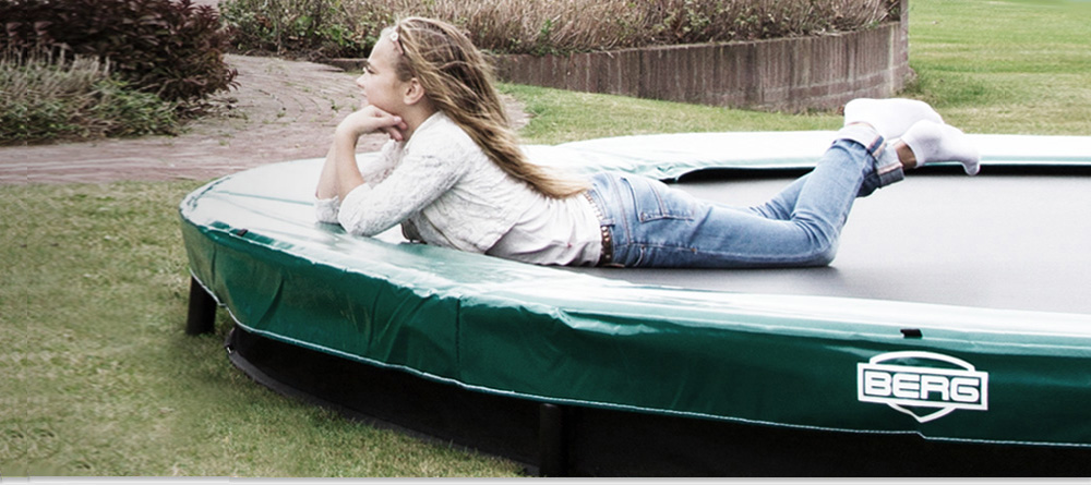 f r alle trampolinbegeisterten jetzt ein kleines trampolin f r terrasse oder fitness raum. Black Bedroom Furniture Sets. Home Design Ideas