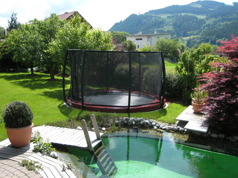 welches trampolin f r den garten zuhause image idee. Black Bedroom Furniture Sets. Home Design Ideas