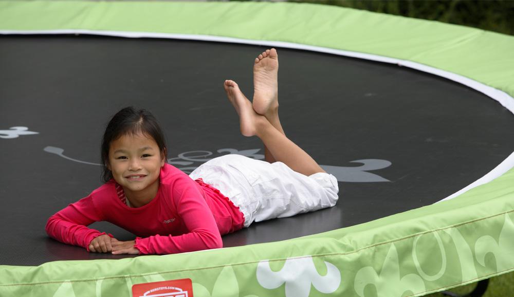berg inground jumping styles sch ner geht es nicht trampolin blog. Black Bedroom Furniture Sets. Home Design Ideas