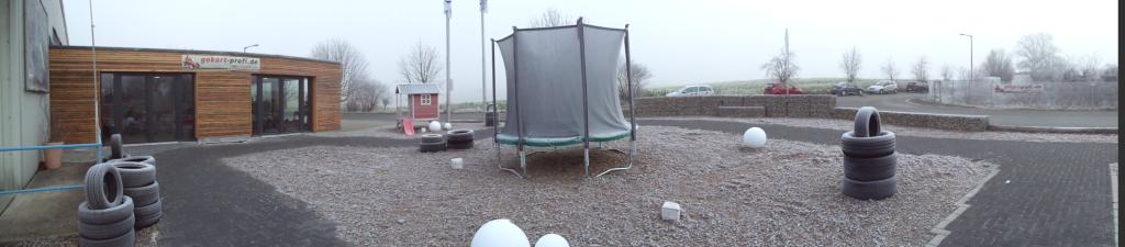 Archivbild - Besuchen Sie unsere Teststrecke, Gokart-Ausstellung und den Trampolin-Berreich bei www.trampolin-profi.de in der Nähe von Nürnberg
