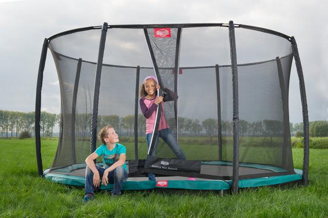trampolin restposten springvergn gen kann so g nstig sein trampolin blog. Black Bedroom Furniture Sets. Home Design Ideas