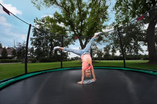 trampolin kaufen deutschland bei trampolin profi wo sonst. Black Bedroom Furniture Sets. Home Design Ideas