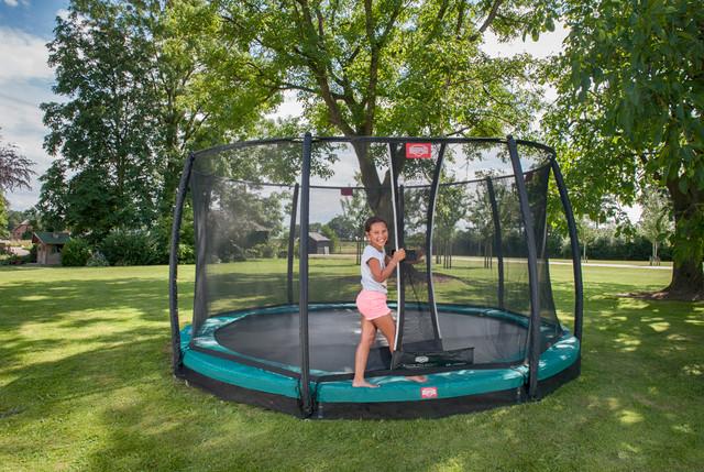 am freitag sind wir ausnahmsweise nicht f r sie da trampolin blog. Black Bedroom Furniture Sets. Home Design Ideas