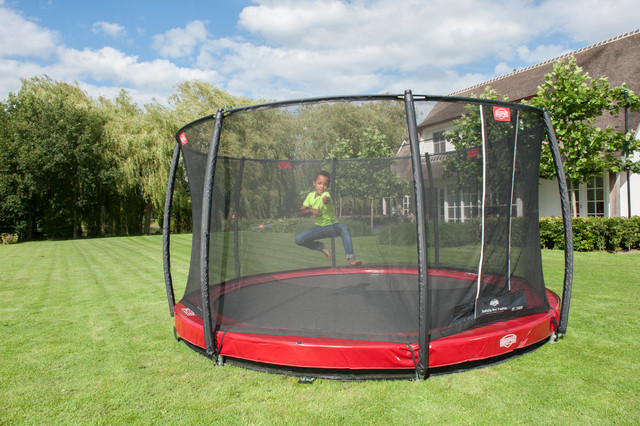 berg inground auf trampolin. Black Bedroom Furniture Sets. Home Design Ideas