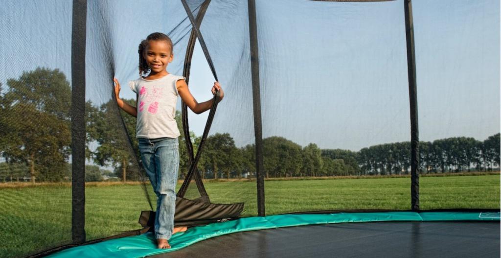 Trampolin Aufbauanleitung - hier Sicherheitsnetz von BERG - trampolin-profi.de