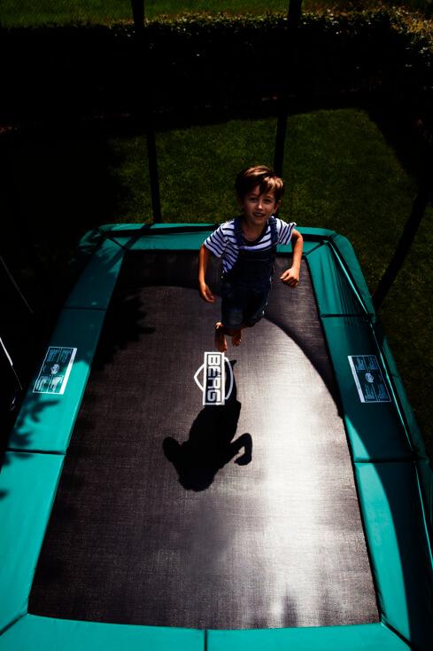 trampolin outdoor test bei n rnberg trampoline einkaufen ab lager. Black Bedroom Furniture Sets. Home Design Ideas