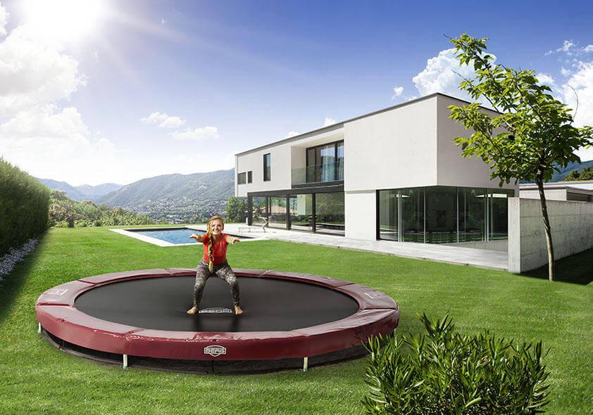 Übungen auf einem Gartentrampolin - trampolin-profi.de