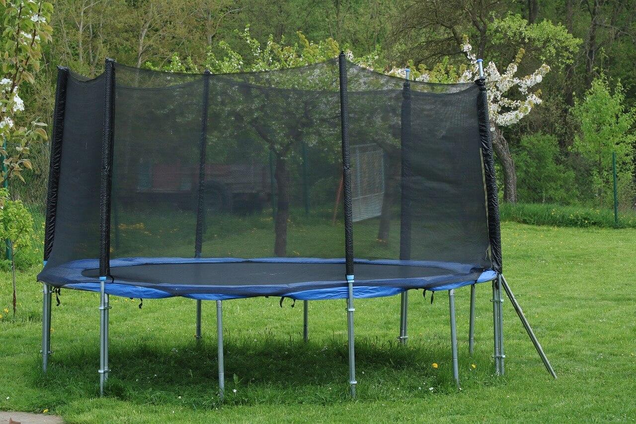 trampolin vom discounter ratgeber zu vor und nachteilen vom trampolin profi
