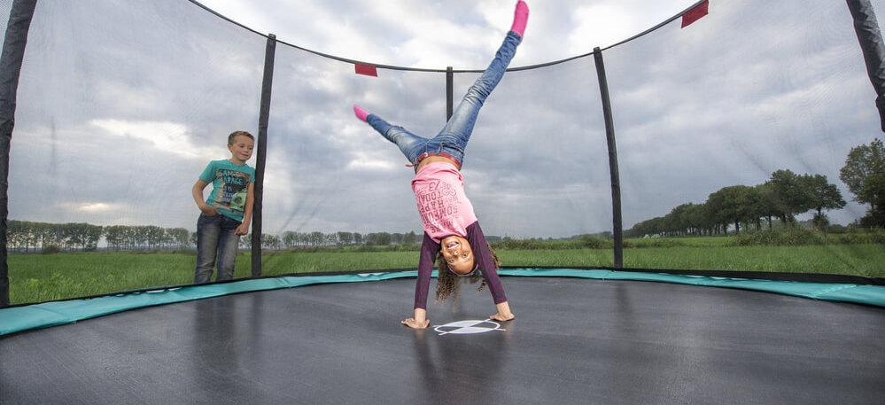 Spiel und Sport im Garten - Trampoline von trampolin-profi.de