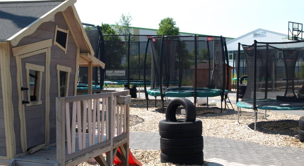 der trampolin blog geht f r zwei wochen in urlaub ratgeber. Black Bedroom Furniture Sets. Home Design Ideas
