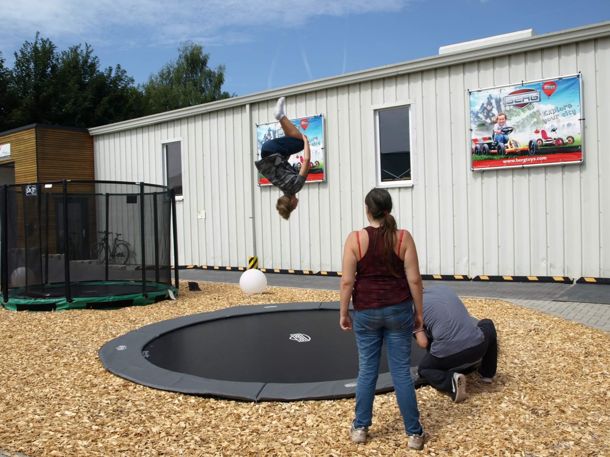 Trampolingröße richtig ermitteln - Ratgeber trampolin-profi.de