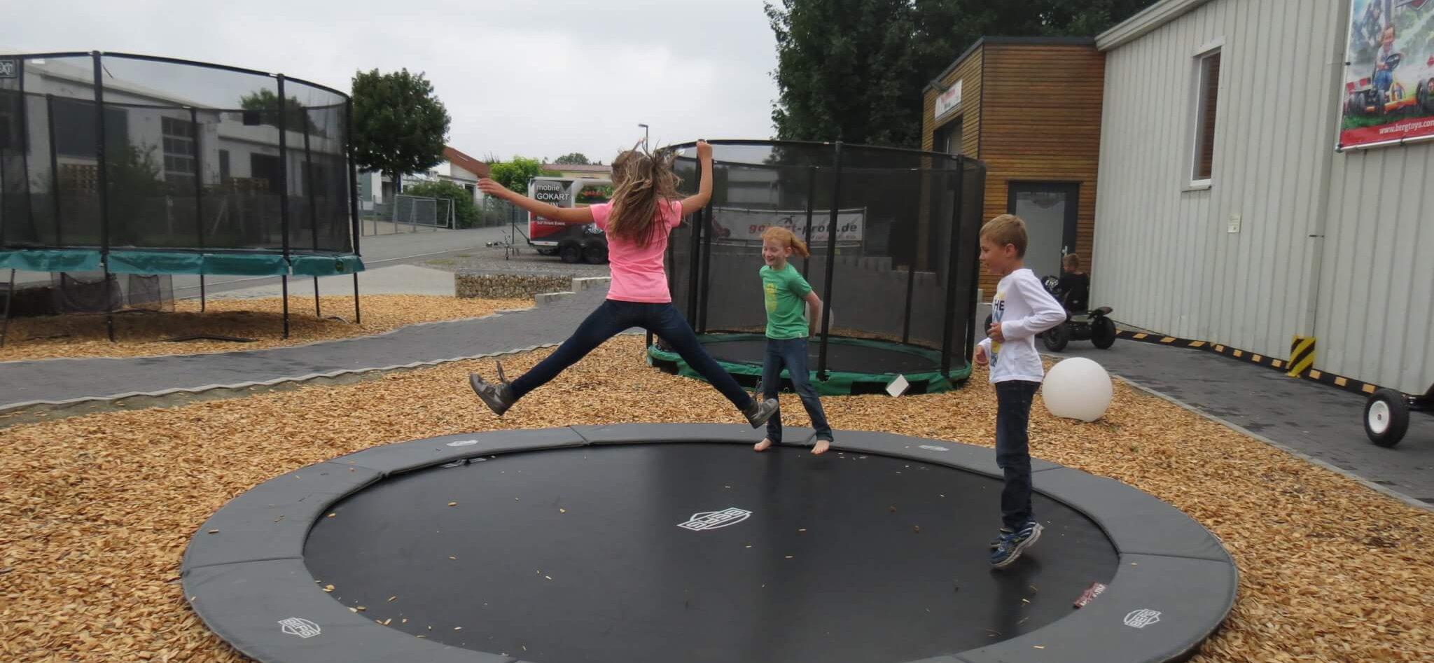 Trampolin Ferienprogramm bei trampolin-profi.de Sommer 2017