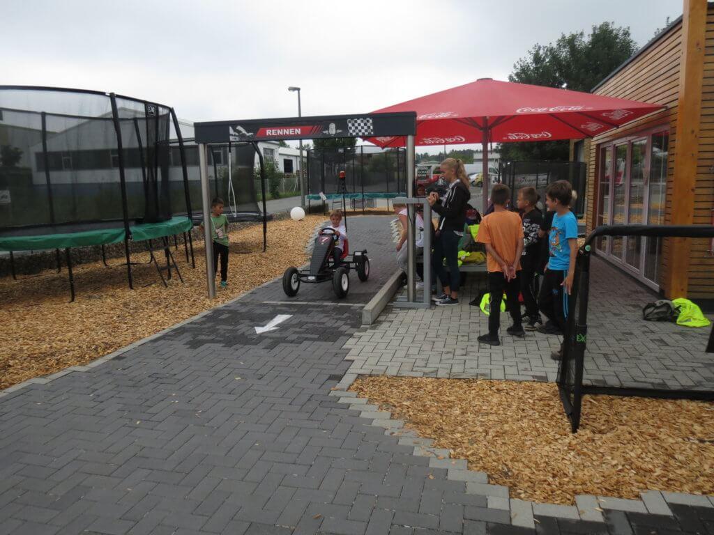 Trampolin Ferienprogramm bei trampolin-profi.de - Die Arche aus Postbauer Heng - Sommer 2017