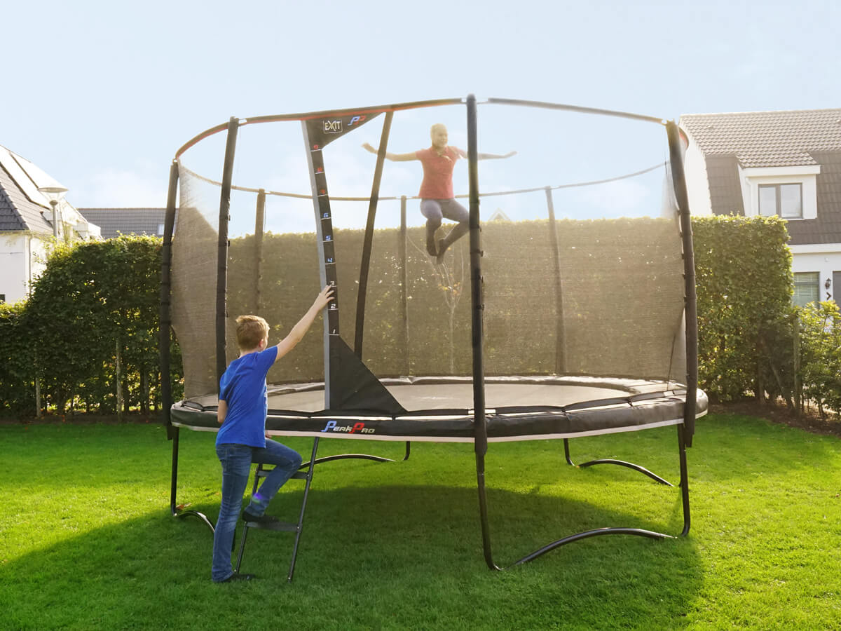 Trampolin Beratung bei trampolin-profi.de - hier Neuheit EXIT Peak Pro Trampolin