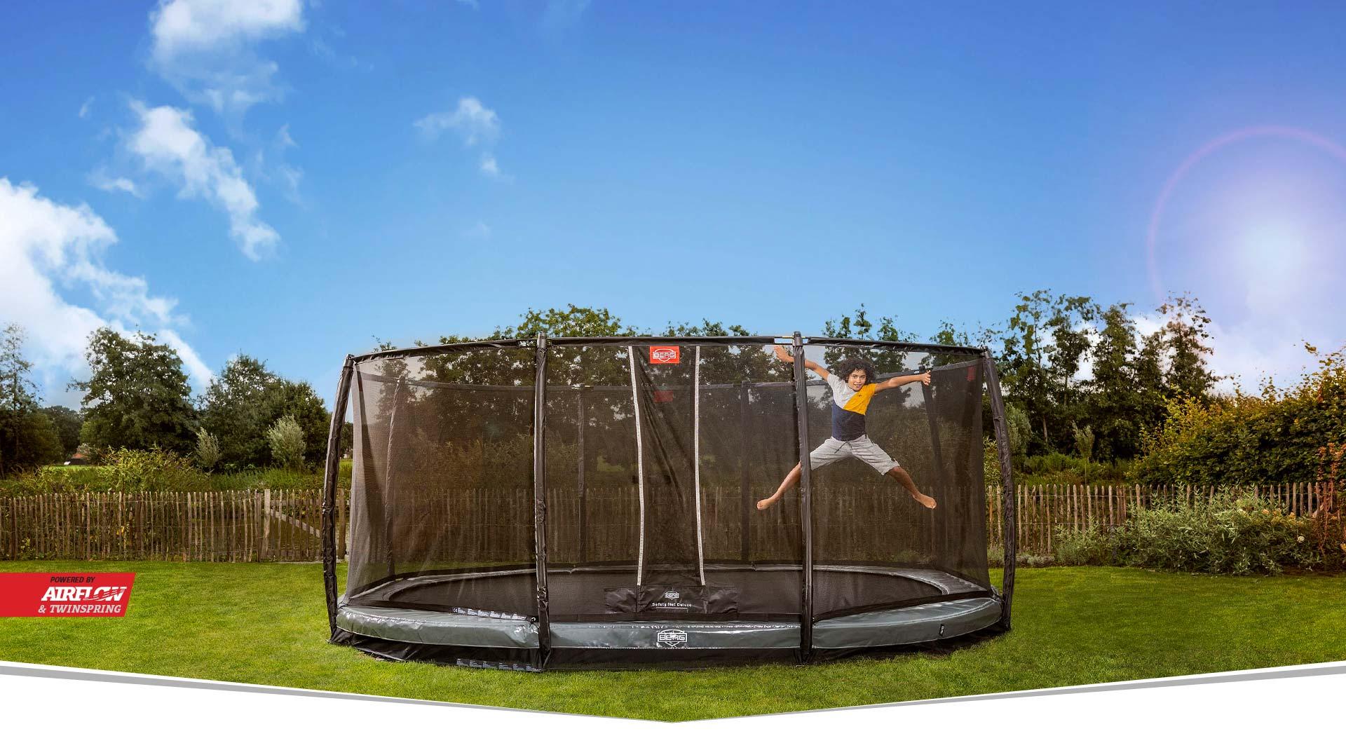BERG GRAND TRAMPOLIN – die ovale Trampolinform macht doppelten Spaß - Beratung trampolin-profi.de