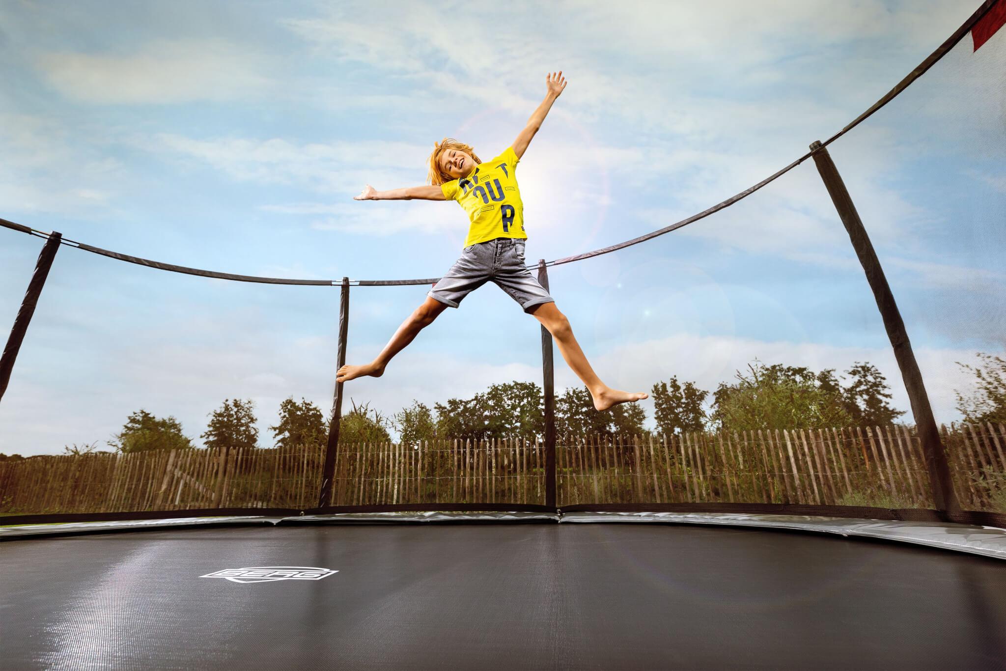 Sicherheit beim Trampolinspringen – so machen Sie alles richtig - Ratgeber trampolin-profi.de