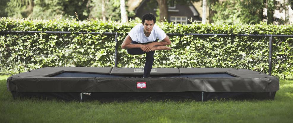Rechteckige Trampoline liegen voll im TREND - trampolin-profi.de