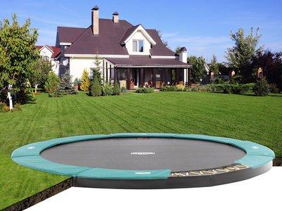Besonders schön sind FlatGround Trampoline im Garten - Beratung trampolin-profi.de