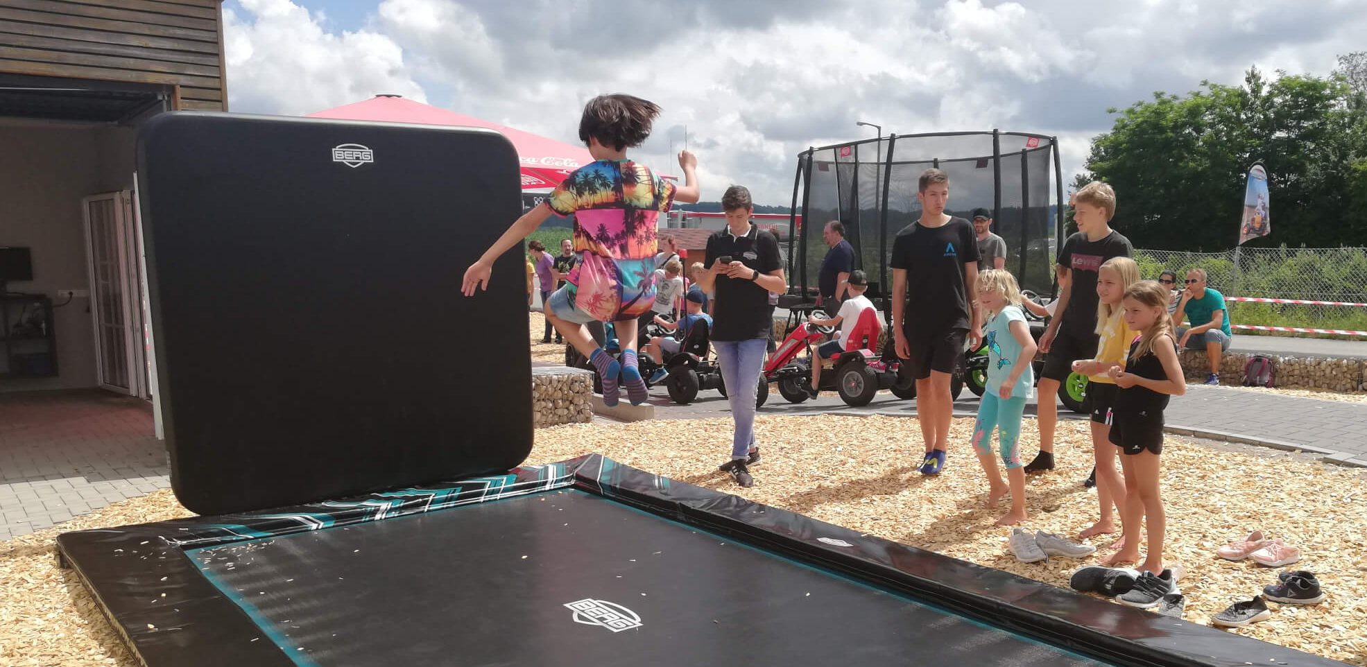 BERG Trampolin Ultim Elite Flatground 500 x 300 cm inkl. AeroWall - Highlight beim BERG Experience Day trampolin-profi.de