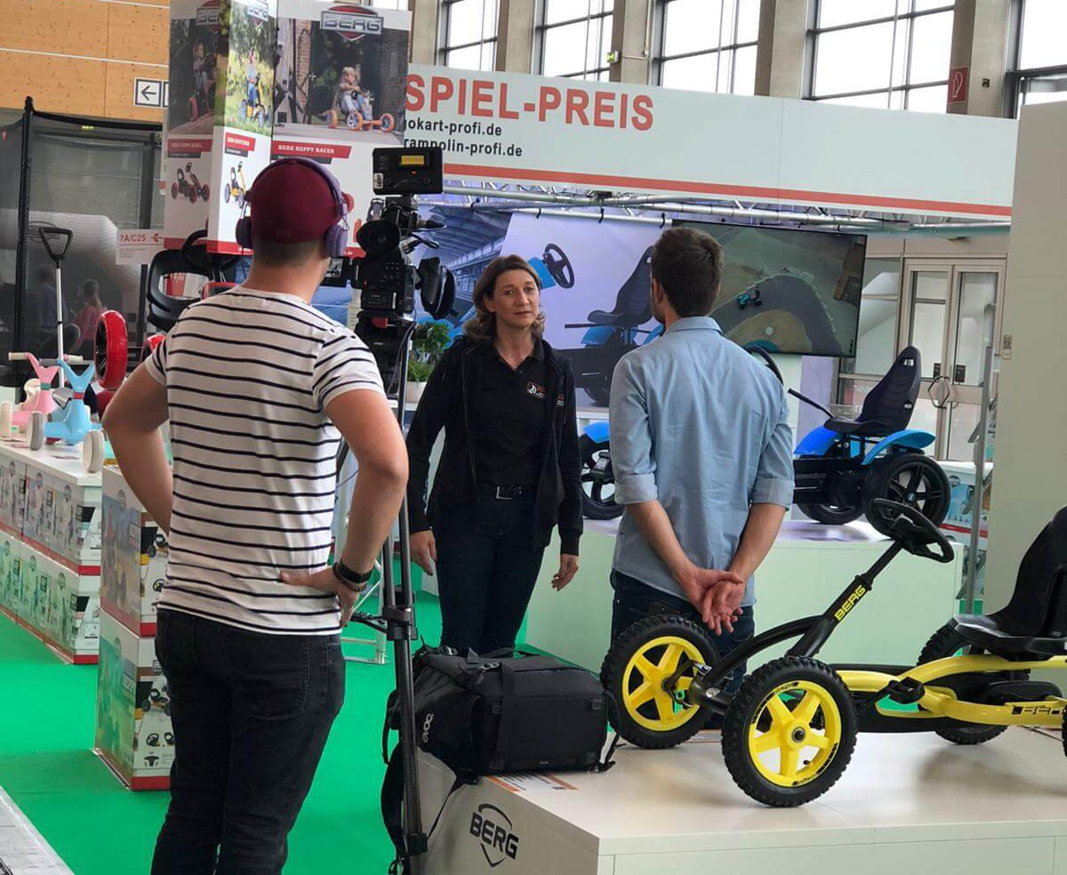Consumenta 2019: TRAMPOLIN PROFI Sprungshow in Halle 7 A