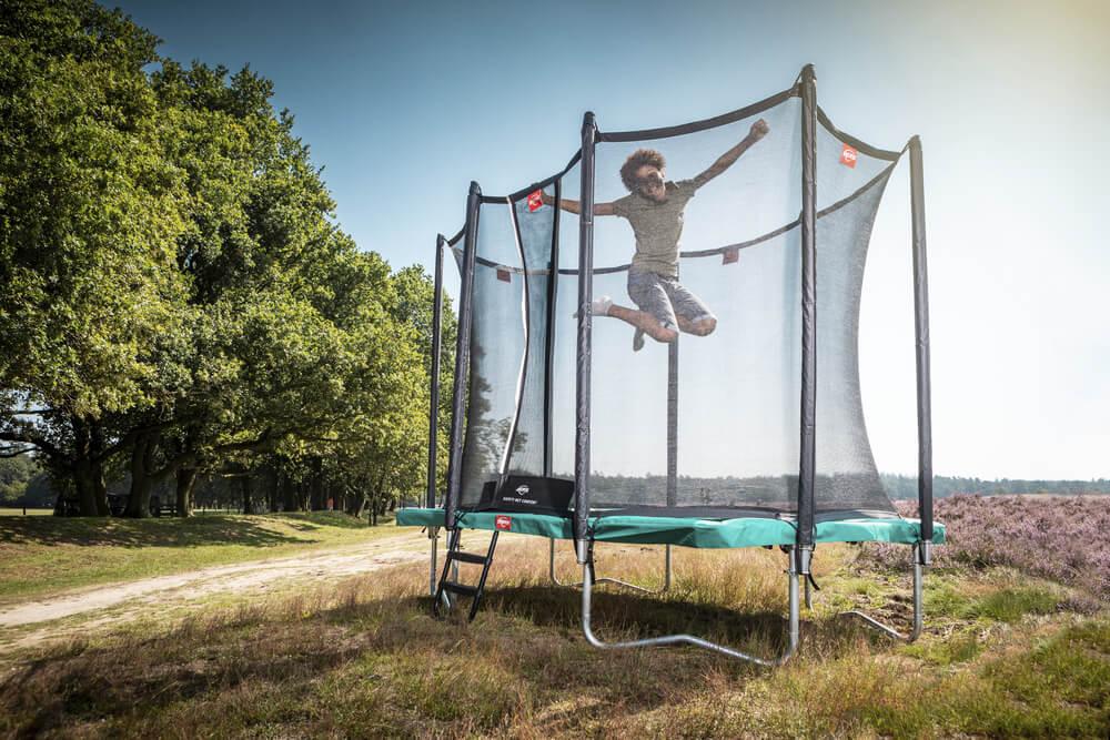BERG Ultim Favorit lieferbar bei trampolin-profi.de - Regular Grün