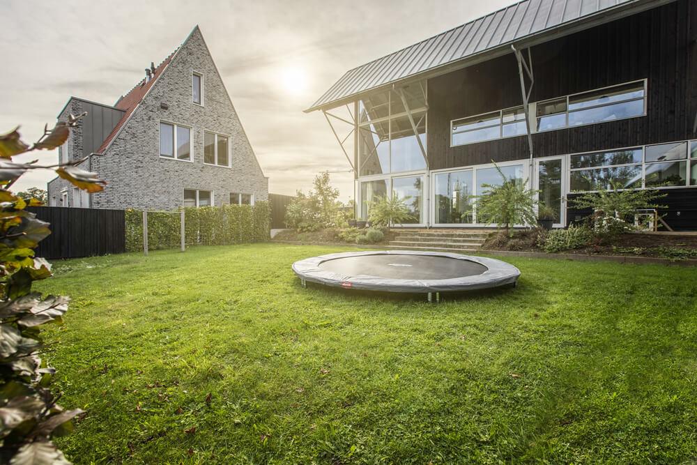 BERG Sports Trampoline - schön im Garten - Beratung trampolin-profi.de