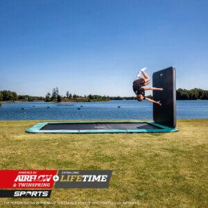 BERG Ultim Champion FlatGround - AeroWall - trampolin-profi.de - Neuheit 2021