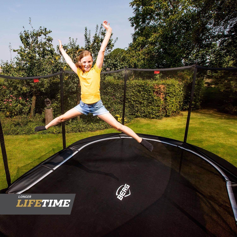 Trampolin als Ostergeschenk bei trampolin-profi.de - hier ein ovales Modell