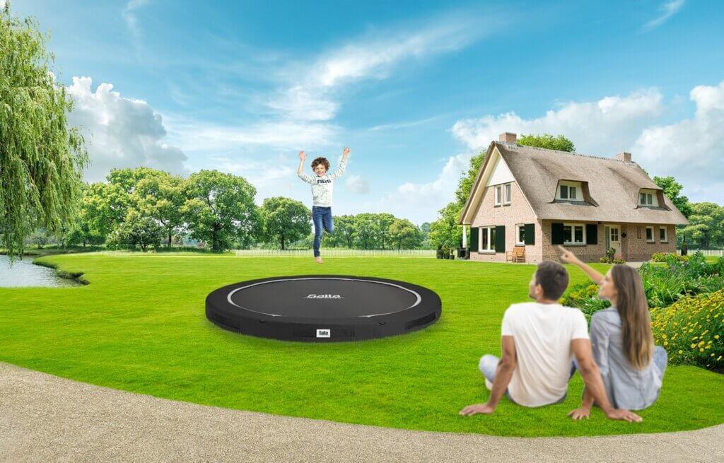 Bodentrampolin von Salta - beliebt bei Familien - trampolin-profi.de