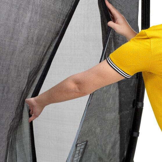 Ein gutes Sicherheitsnetz gehört vor allen Dingen ans hohe Trampoline - trampolin-profi.de Ratgeber