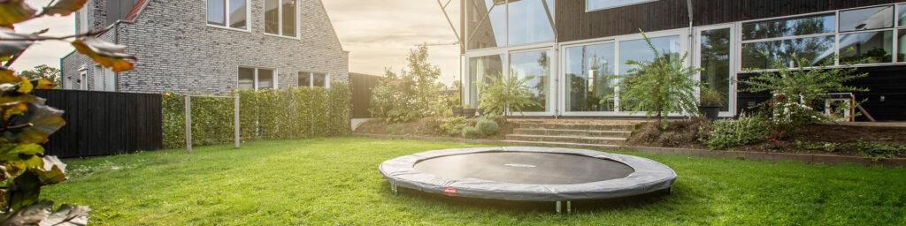 Trampoline in Grau und SCHWARZ - kaufen auf trampolin-profi.de ☎ 09188-9999001