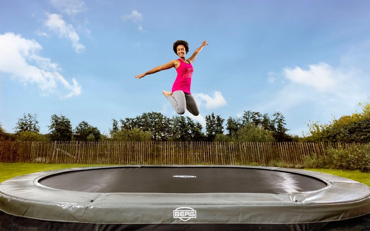 BERG Trampolin Grand Elite oval 345 x 520 cm grau Inground - trampolin-profi.de