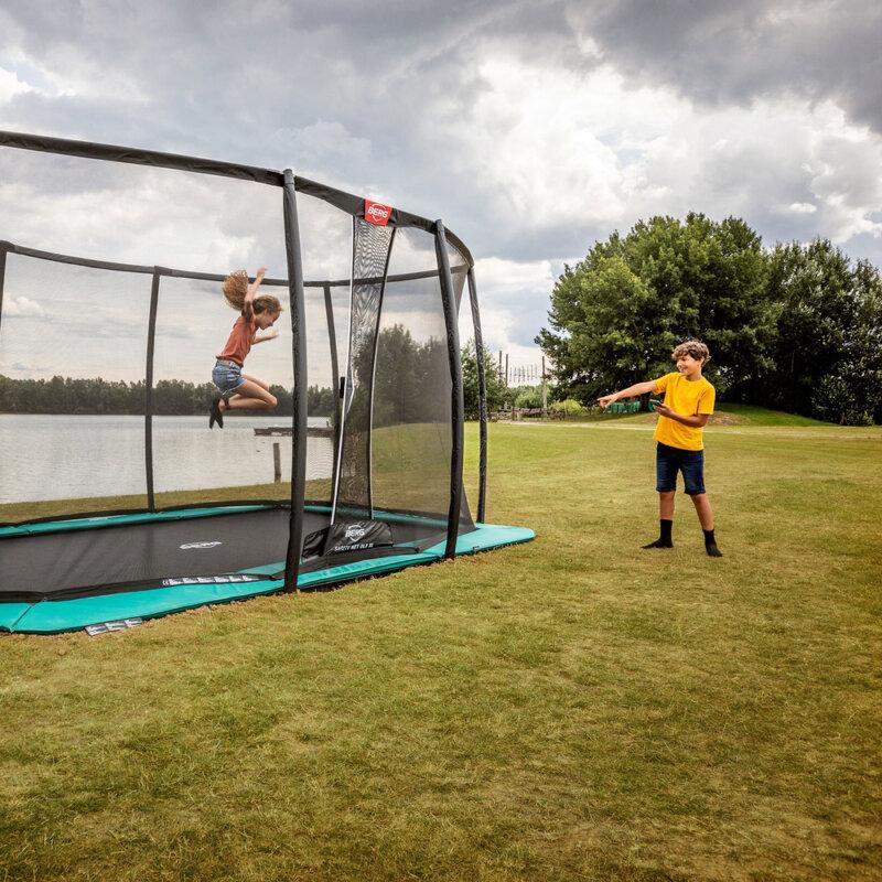 Trampolin Spaß auf dem Bodentrampolin von BERG Toys - Beratung trampolin-profi.de